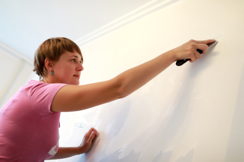 8 Helpful Tips to Clean Painted Walls